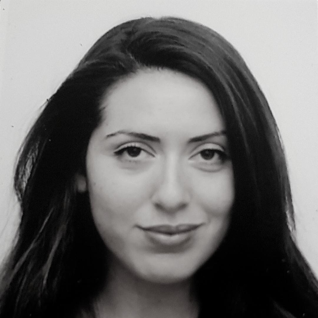 רגינה גולדשטיין מנחה בעמותת רקפת